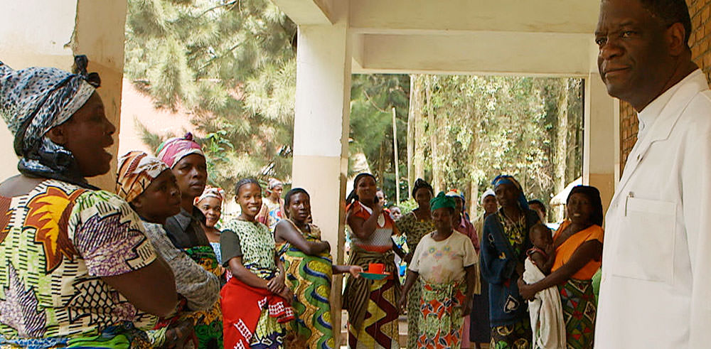 Fespaco Photo Mukwege et les femmes1